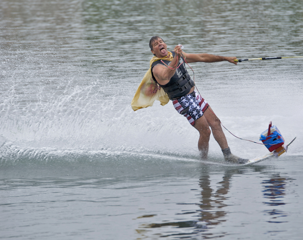 water-skiing-spooktacular-2014-lee-squire-horn