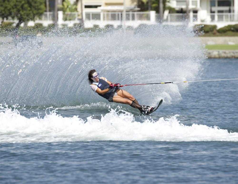 water-skiing-spooktacular-2014-slalom-andrea-todd-zombie