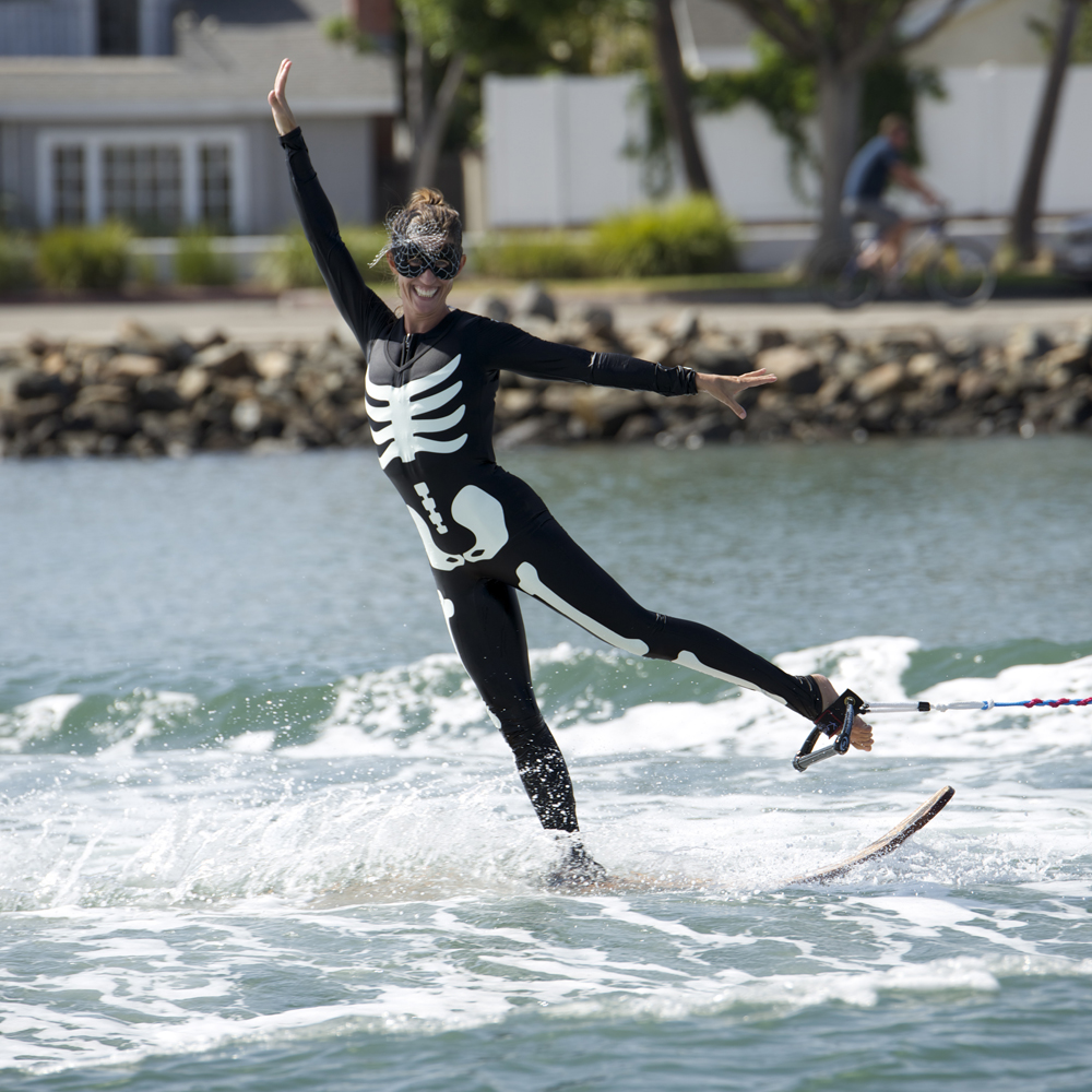 water-skiing-spooktacular-2014-stacy-norred-skeleton-swivel-toehold_edited-1